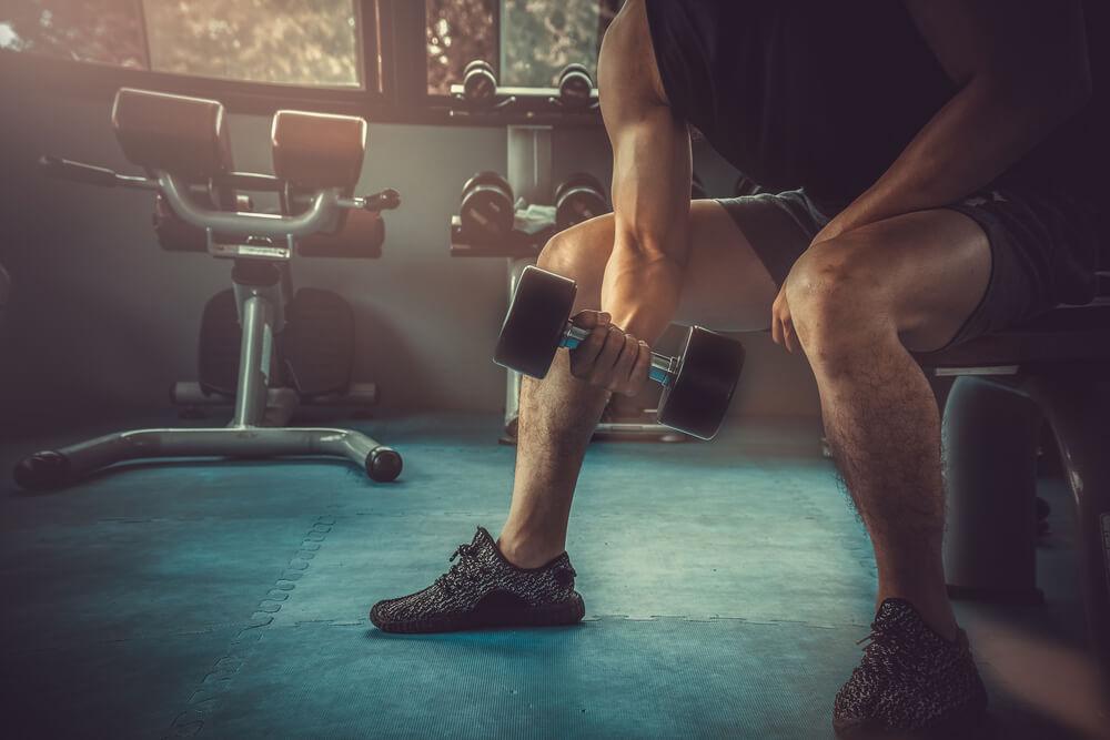 γυμναστική για μπράτσα άσκηση