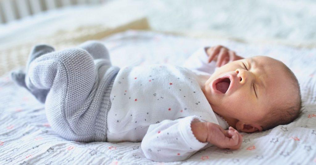 Ύπνος μωρού: 3+1 tips για να κοιμάται με ασφάλεια